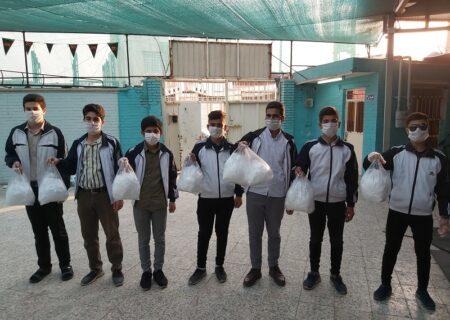 توزیع ماسک رایگان توسط گروه پسران و دختران بهشت در اندیمشک صورت گرفت.